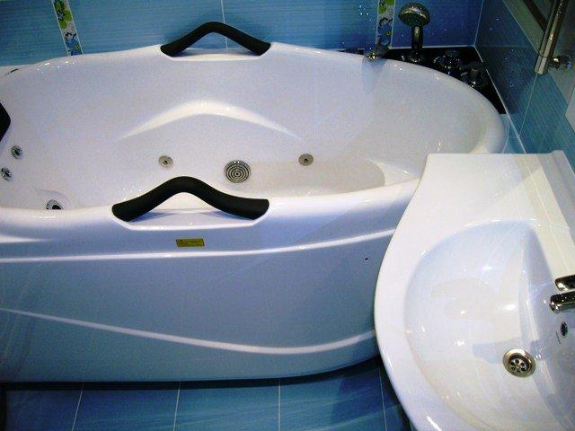 функциональность и дизайн ванной комнаты 150х135