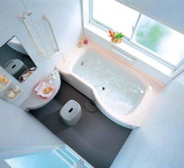 идея современной ванны в хрущевке