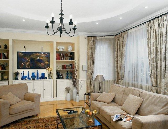 интерьер гостиной в ярких тонах как отображение благополучия