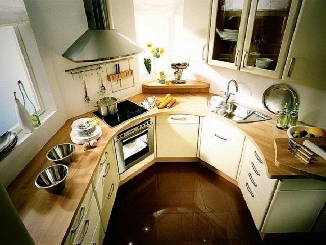 Кухня в эркере