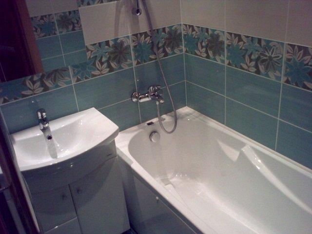 маленькая ванная в хрущевке в современном стиле