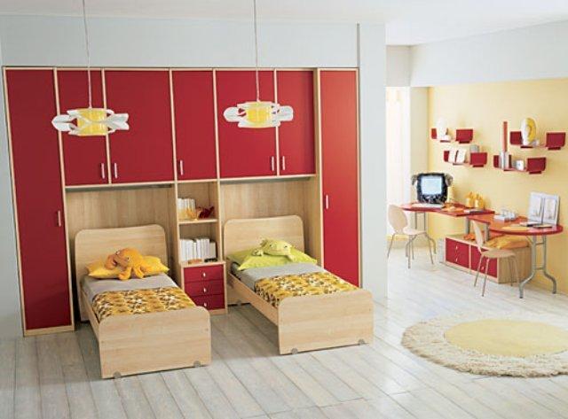 уютный интерьер детской комнаты для двух детей