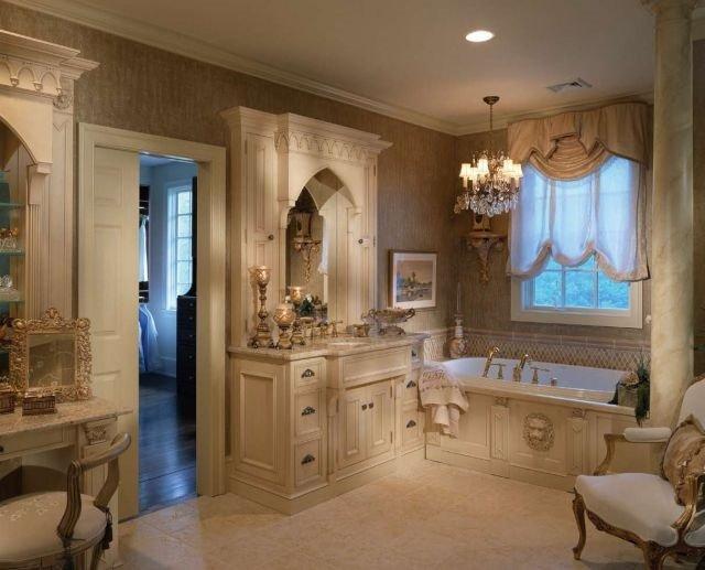 ванная комната в классическом интерьере