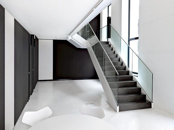 элегантный шоурум-выставка дизайна современной офисной мебели