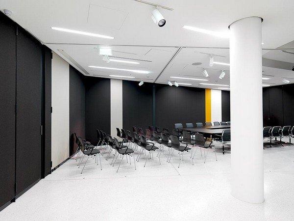 выставка дизайна современной офисной мебели в Вене