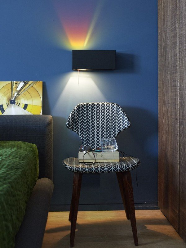 чёрно-белый дизайнерский стул