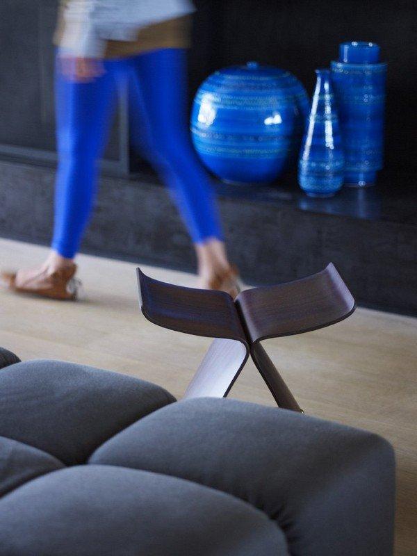 дизайнерский деревянный стул
