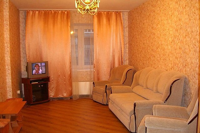 оранжевая гостинная