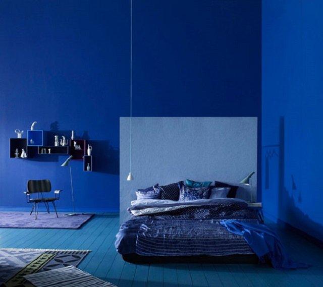 синие обои в интерьере фото