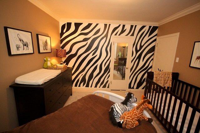 стильные обои зебра в интерьере