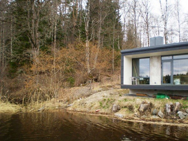 дом на берегу озера фото