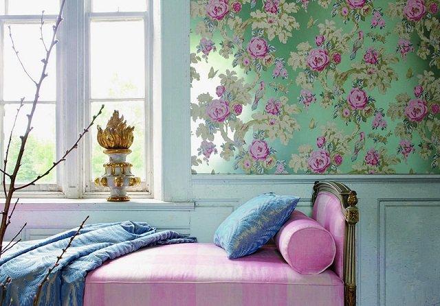 подобрать цветочные обои в интерьере комнаты