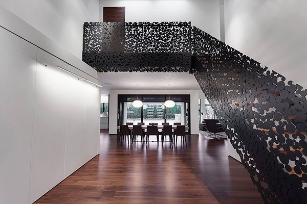 Black-Bubbles-Staircase