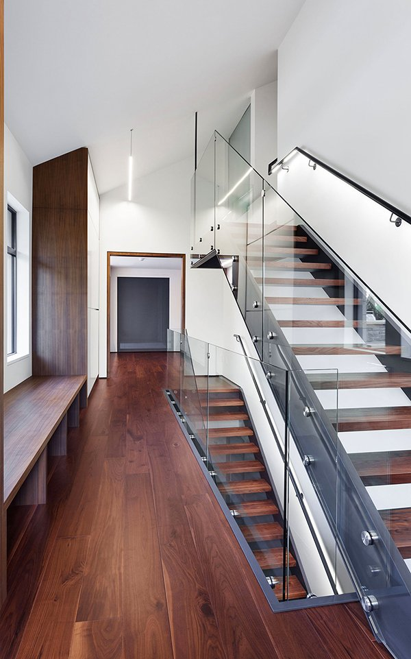 Staircase-Glass-and-Wood