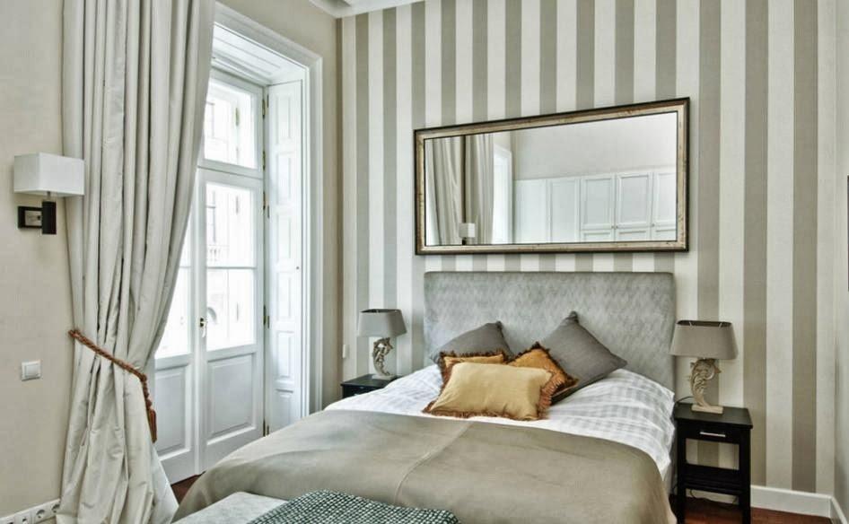 полоски в интерьере спальни