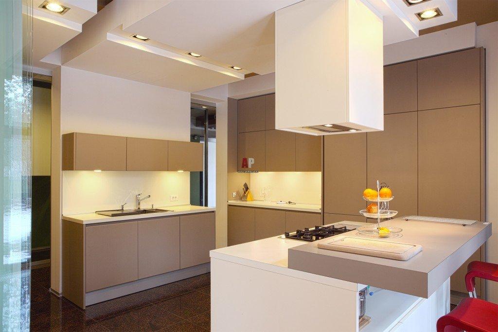 современный минимализм в интерьере кухни