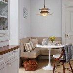 интерьер кухни с диваном фото
