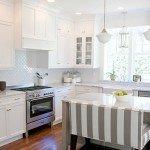 интерьер кухни в белом цвете фото