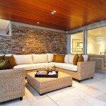 искусственный камень в интерьере гостиной фото