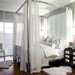 интерьер спальни с балдахином фото