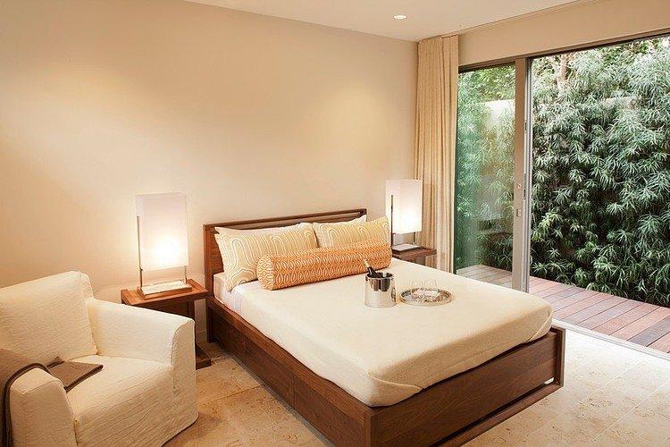 Bedroom-Warm-View