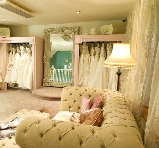 92cb9aae6f6b781 Интерьер свадебного салона - 20 фото для вдохновения