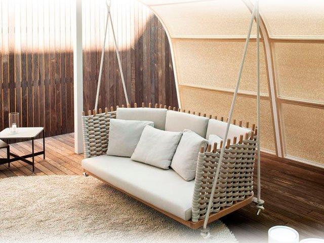 Какой выбрать диван для дачи