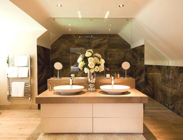 Luxurious-Bathroom1