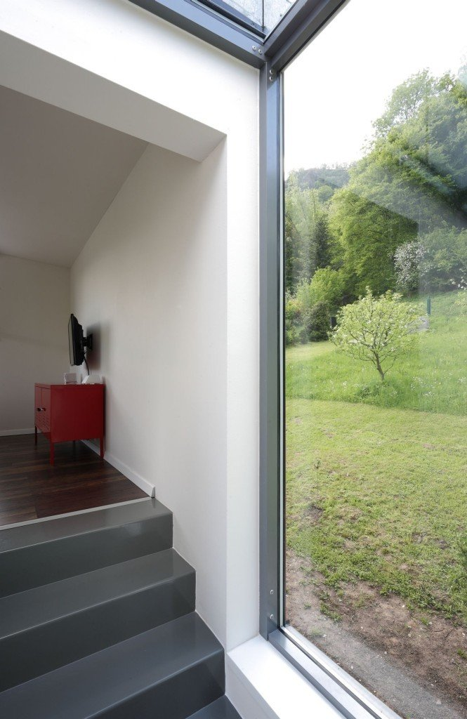 interior-modern-family-house-6-665x1024
