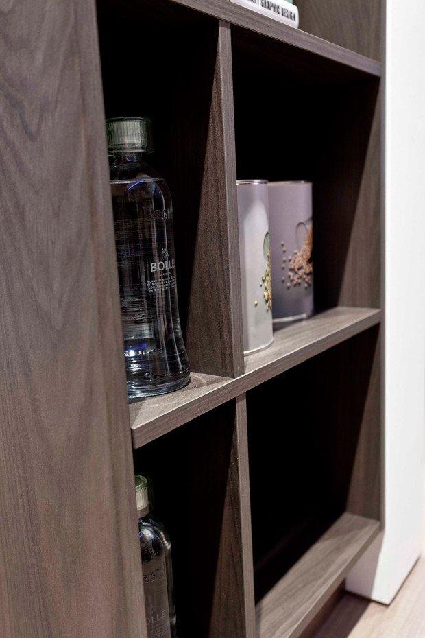 Полки для хранения в шкафу