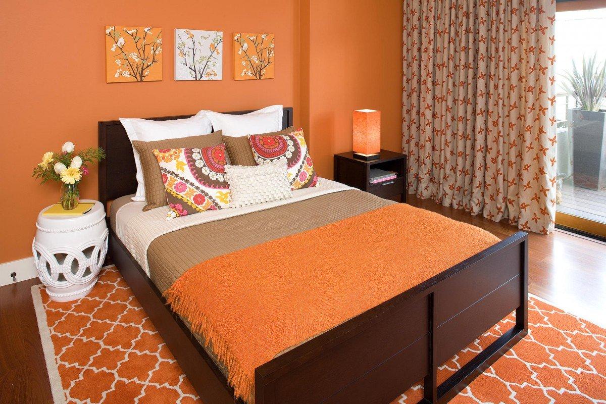 Шторы мебель к персиковым обоям фото