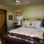 Маленькая спальня в стиле кантри